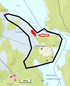 Kart av Kilebutangen i Rakkestad kommune. Avgrenset interessant område. Rødt område (overvåkingslokalitet) med rød pil forekomst av småmyrull.